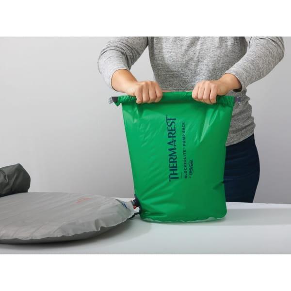 Therm-a-Rest Blockerlite Pump Sack - Pump-Pack-Sack green - Bild 4